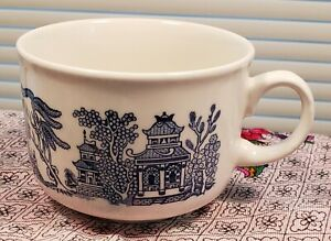 Churchill England / Blue Willow Pattern - Large Coffee Cup  /  Soup Mug