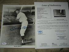 New York Yankees MICKEY MANTLE SIGNED AUTOGRAPHED B&W 8x10 Photo JSA LOA X964691