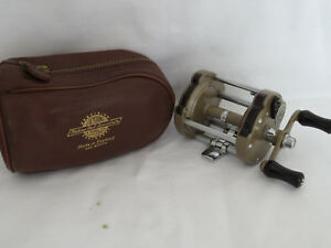 J.W. YOUNG THE GILDEX REEL IN ITS LEATHER CASE  EXCELLENT