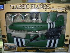 NEW RAY CLASSIC PLANES AEREO DA  AVVITARE U.S. AIR FORCE DC-3  ART. 20105