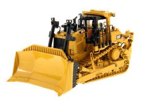 CAT Caterpillar D9T Track Type Dozer Diecast Masters 85944 1:50