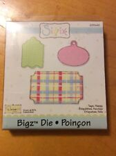SIZZIX BIGZ DIE AND EMBOSSING FOLDER WHERE WOMEN COOK CUP /& CLOVER TAGS BNIP