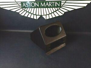 Aston Martin DB4, DB4GT, Radio console Trimmed in black Leather cloth