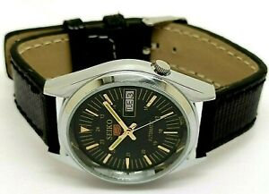 seiko 5 automatic men's steel black dial day/date vintage japan watch run