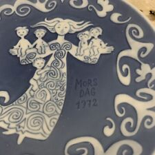 1972 Royal Copenhagen Mother's Day Plate Blue White Mors Dag Woman with children