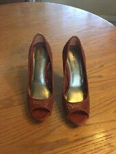 Nine West Orange Heel Women's Shoes. Very Good Shape. Size 8 1/2. Barely Worn.