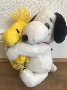 Snoopy Hugging Woodstock plush Stuffed toy Vintage 1968 United Feature Syndicate