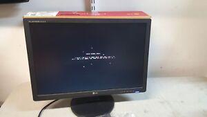 LG W2242T-BF LCD Monitor