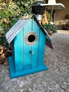 Wonderful Birdhouse Bird House Wren Chickadee Easy Clean NEW Blue