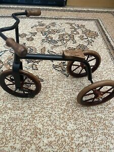 Antique trycicle bike