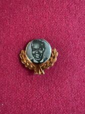 1950's, Nat King Cole, Tin Wreath Lapel Pinback (Scarce / Vintage)
