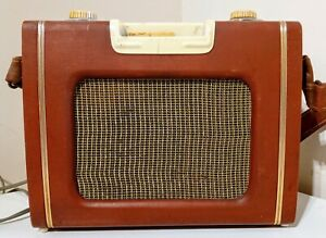 Ever Ready Sky Leader Vintage 1950's Transistor Portable Radio