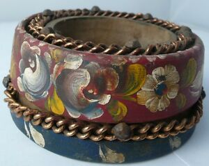 Handmade and Hand painted Primitive art  salt bowl - 100 years old (s4597)