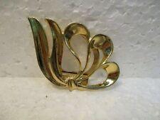 Très joli broche, pince à foulard, ruban en métal doré, décoré vintage