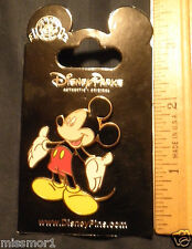 Disney Pin Mickey Mouse presentation pose on card MOC