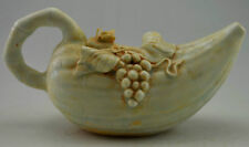 Très rare Chinese porcelain tea pot raisin