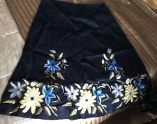 Ladies Hobbs Floral Embroidery Black skirt linen Size8Vgc