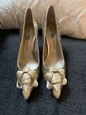 Katy Perry Women's The Bow Pumps The Gift Heels Size 10 Gold