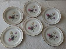 6 assiettes plates  Porcelaine de LIMOGES  Décor floral signé    Lot 1/3