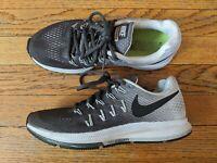 Nike Womens Size 8.5 Air Zoom Pegasus 33 Grey Black White Training Running Shoes