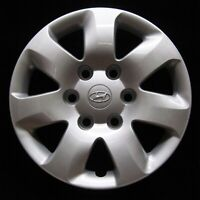 Hyundai Entourage 2007-2010 Hubcap - Genuine Factory Original OEM Wheel Cover