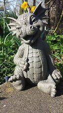 Süsser Gartendrachen lacht Drachenfiguren Drachen Fantasy Figuren Dragon Garten