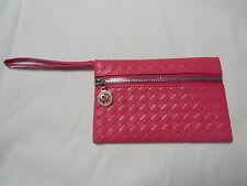 Mini pochette sac de soirée rose simili cuir fin à dragonne à porter à la main