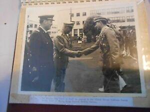 VECCHIA FOTOGRAFIA MILITARE ufficiali in visita capo stato maggiore FOTO ORIG(12
