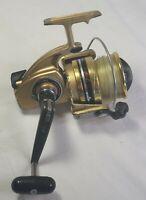 Vintage Retro Daiwa GS-9 Fishing Reel 2 Ball Bearing Gold Tone Alloy JAPAN VGC