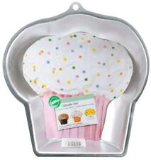 Wilton CUPCAKE SHEET CAKE  Pan NEW 2105-3318