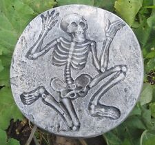 skeleton plaster concrete mold stepping stone plastic Halloween mould