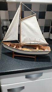 MODEL WOODEN FISHING BOAT LARGE GREAT DETAIL