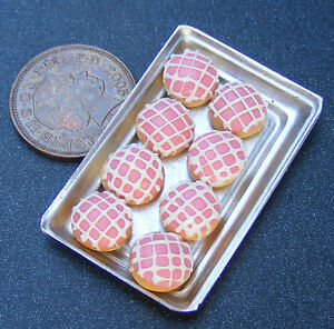 1:12 Scale 8 Loose Pink Doughnuts On A Metal Tray Tumdee Dolls House Food PL138