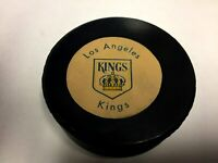 LOS ANGELES KINGS NHL  VINTAGE RAWLINGS OFFICIAL GAME PUCK rubber crest  RARE