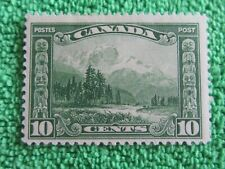 CANADA  ** MOUNT  HURD **  B.C. 10  Cents  STAMP 1928  MINT VERY  LITTLE  HINGED