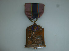VINTAGE AMERICAN LEGION MEDAL NEW YORK STATUE OF LIBERTY 1947 RARE