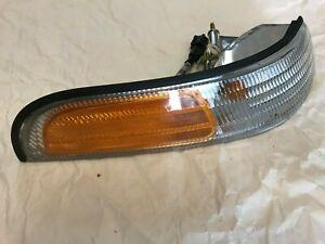 Ford Crown Victoria 92-97  Factory OEM RIGHT Parking Side Marker Passenger Side
