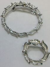 Lot of 2 Vintage Fashion Jewelry Wreaths Brooch Shiny Silver Tone Metal Unsigned