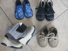 Lot de 4 paires : chaussons, chaussures, bottes de sky, pointure 20-21  bon état