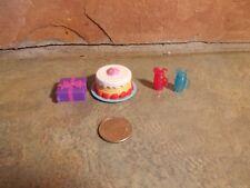 MATTEL CHELSEA BIRTHDAY PARTY CAKE PRESENT & 2 GLASSES OF LEMONADE C17