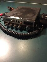 Realistic CB Radio TRC-428 Nine Scan with microphone