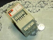 Ismet Nr. 83/054143 Transformer Pr. 88-127V Sek. 110V +/- 1% 0.03 Va 60z New!