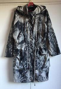 Monki ABSTRACT Print Jacket MONO B & W Raincoat Hoodie Zip Front Size XS/S