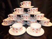 lot de 12 tasses cafe et 12 sous coupes arcopal modele scania