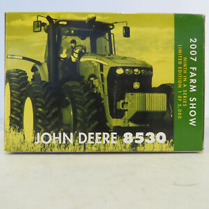 Ertl John Deere 8530 MFD Tractor Farm Show ED 1/64 JD-15903A-B
