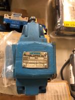 Vickers RCG 03 D2 30 (Eaton  597076) 5 pressure control valve  250-1000 PSI New!