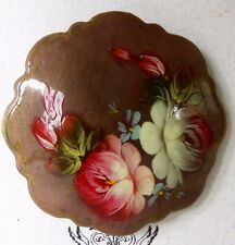 Papier-mache` LACQUERED BROOCH Made in Russia by G.DeBrekht Artists #1825 Taupe