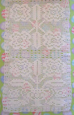 "TABLE RUNNER VINTAGE CROCHETED IVORY FLORAL 44 1/4"" x 12 3/4"" *EUC*"