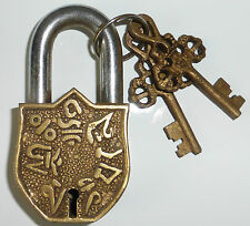 *Beautiful* Antique Finish Tibetan Buddhist Om Mani Padme Hum Brass Padlock 9cm