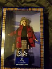 poupée Barbie par Burberry, NRFB